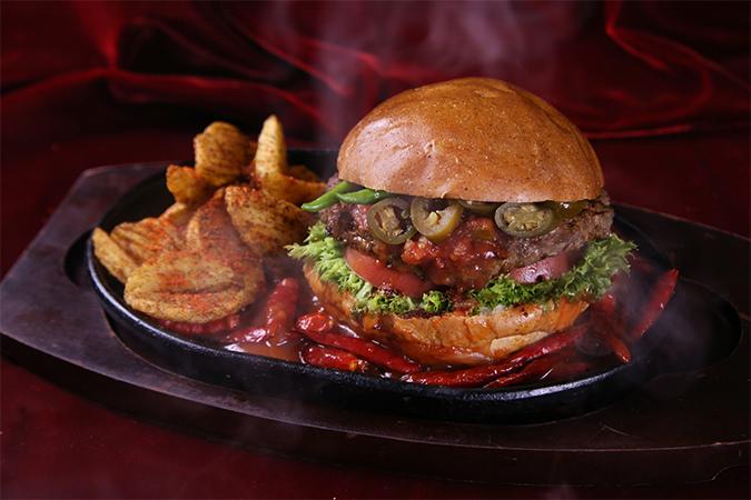 激辛鉄板バーガーの画像