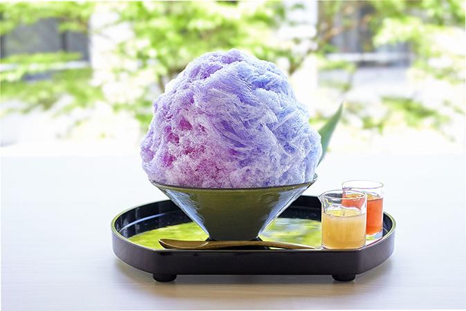 色が変わるかき氷「紫陽花氷」の画像