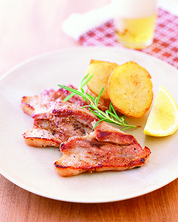 漬けした豚かたまり肉料理の画像