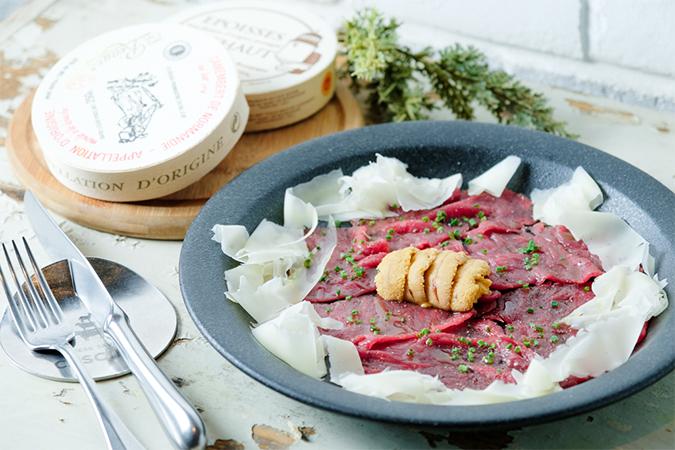 会津産フレッシュ馬肉とウニのカルパッチョ