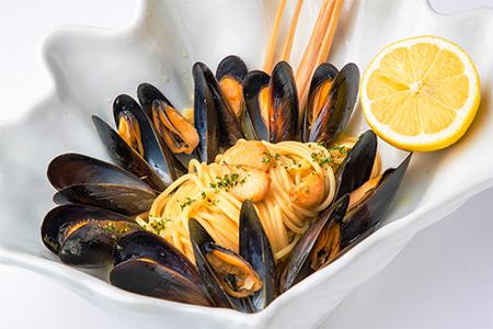 レモングラスとムール貝のフレッシュレモンスパゲッティー