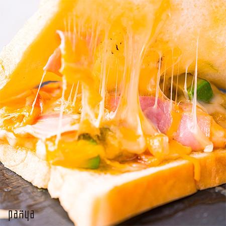 アボガドチーズトースト