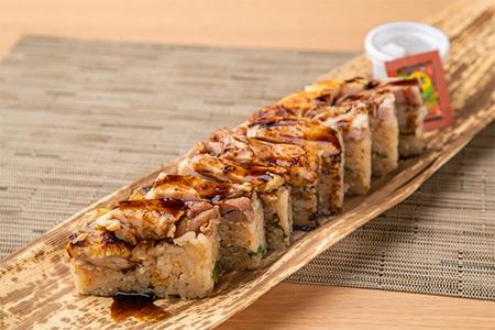 比内地鶏もも肉の箱寿司