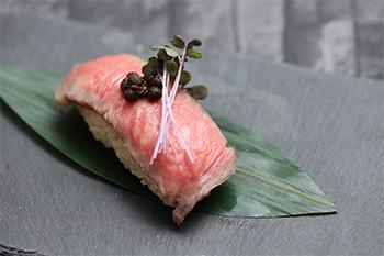肉寿司 芽(め)