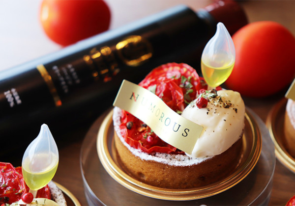 濃縮旨味ケーキ『トマトマ』
