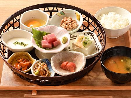 籠盛り納豆定食