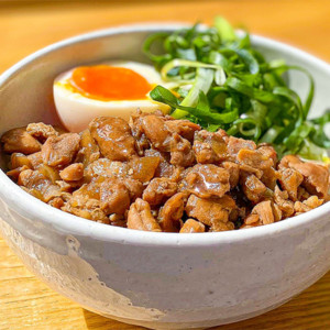 京連龍「鶏肉飯(チーローハン)」