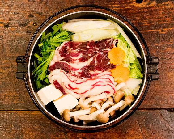 アナグマ鍋(九州産の穴熊)