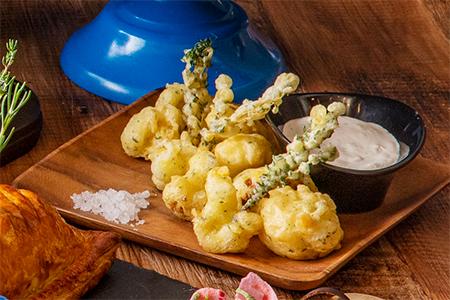カリフラワーフリッター 豆乳ホイップクリームのディップ