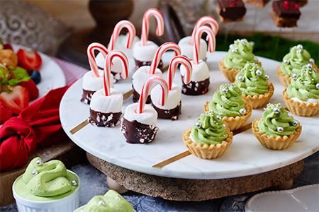キャンディケインとマシュマロディップ/クリスマスツリータルト ピスタチオクリーム