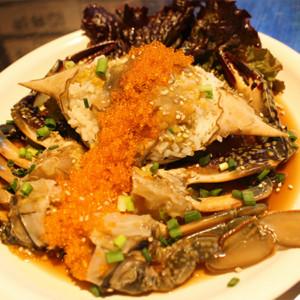 北海道産の生のワタリガニを使用した「生カンジャンケジャン」