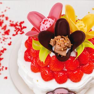 「TOKYOチューリップローズ」のクリスマスケーキ