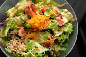 7種野菜のブッタボウルサラダ 塩昆布ドレッシング