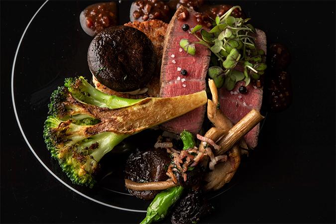 十勝和牛フィレ肉のロースト 茸の焼きリゾット&ブロッコリーのロースト