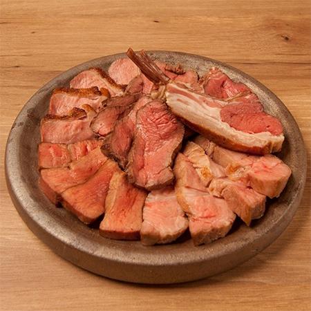 ビストロBAN!の低温調理肉