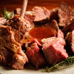 ラム肉も含む「塊肉4種」が食べ放題の『2021年肉初めコース』