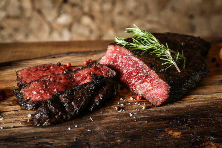薪火グリルの肉料理