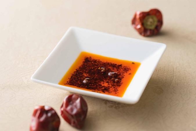 自家製 朝天唐辛子辣油「金昇坦々麺の厳選食材」