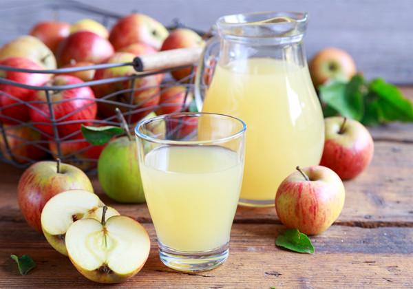 りんごジュースの画像