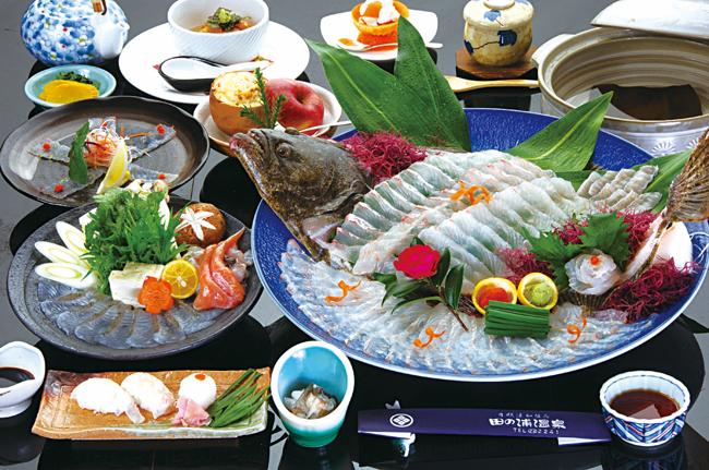 「平戸天然ひらめまつり」宿泊施設の夕食一例