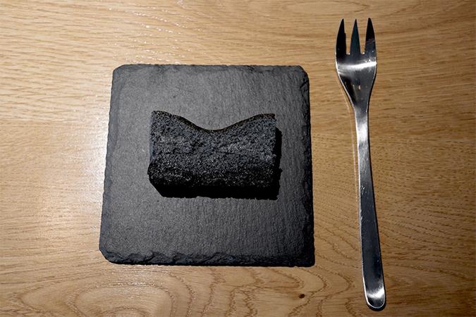 ブラックチーズケーキ