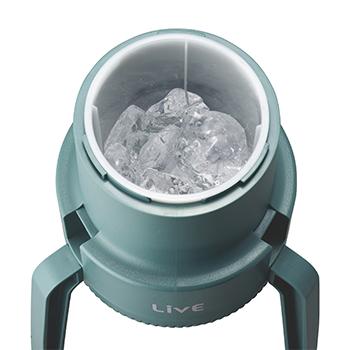 かちわり手動かき氷器で市販の氷を削ることができる画像