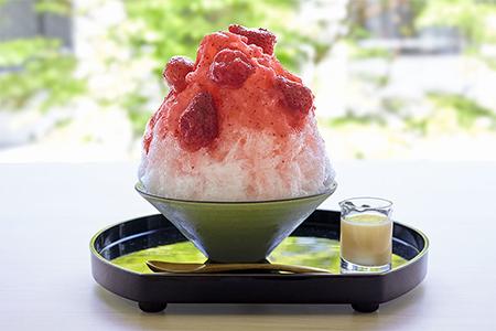 まるごと苺が味わえる自家製シロップ使用「さがほのか」の画像
