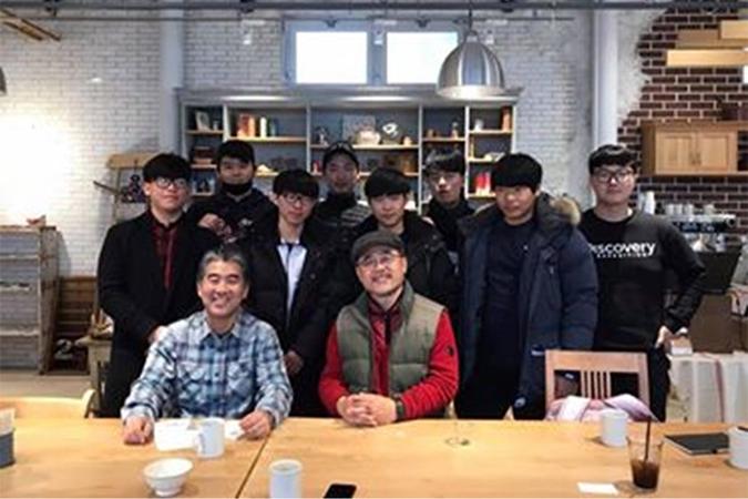 韓国の農学校の生徒