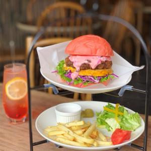 桜色のハンバーガー