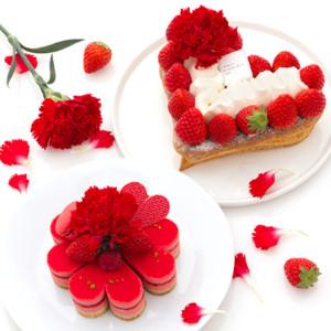 大きなハートとキュートなお花のケーキ