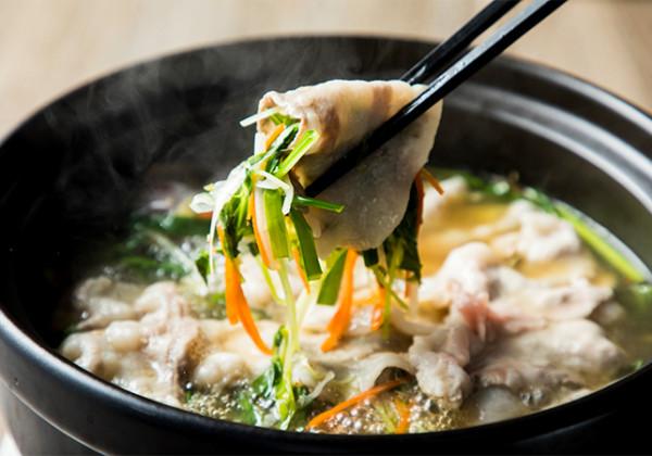 CROSS TOKYO 鍋料理「食労寿鍋 cross(くろすなべ)」