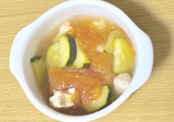 ズッキーニのサラダチキンスープの画像