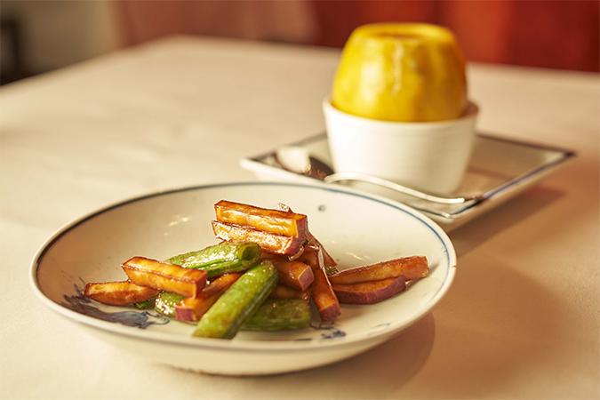 いんげんと根菜の醤油味の炒め物&パパイヤの蒸しスープ