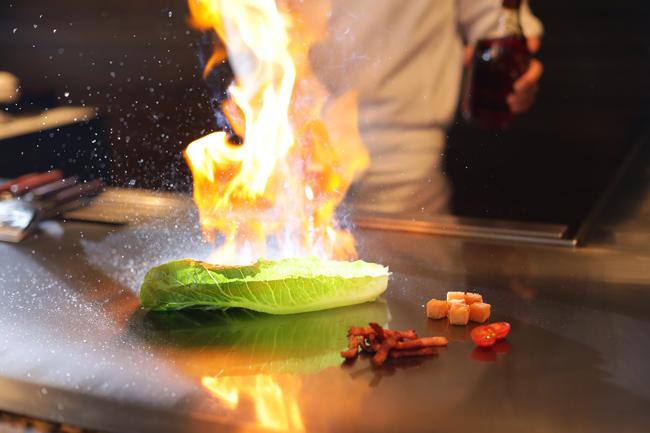 熱してもシャキッとした食感が味わえるロメインレタス
