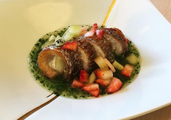 太刀魚の西条柿包み焼き 小松菜浸しソース