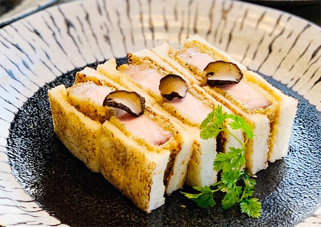 松阪豚極厚プレミアムカツサンド