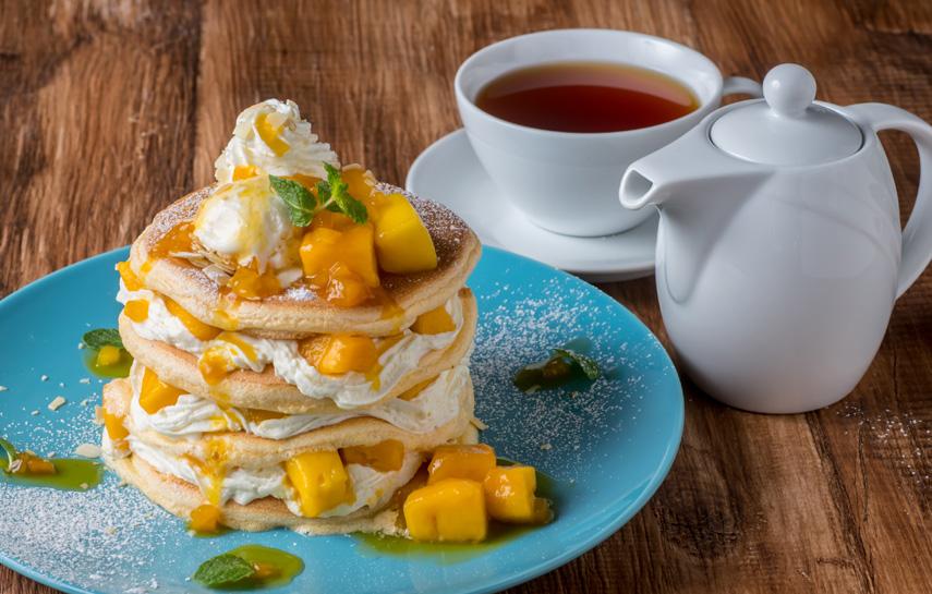 マンゴーパンケーキと紅茶