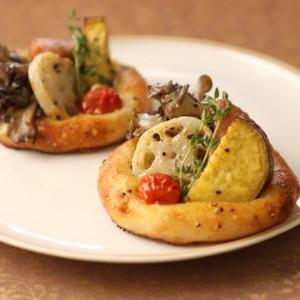 秋野菜とバジルソーセージのフォカッチャ