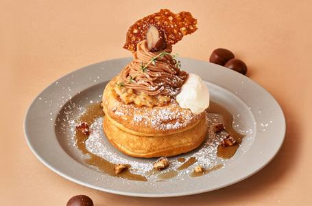 モンブランと洋梨キャラメルのパンケーキ