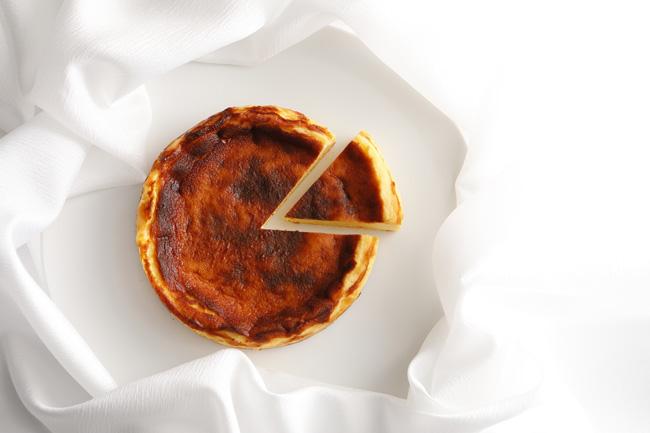 パティスリーSATSUKIのバスクチーズケーキ