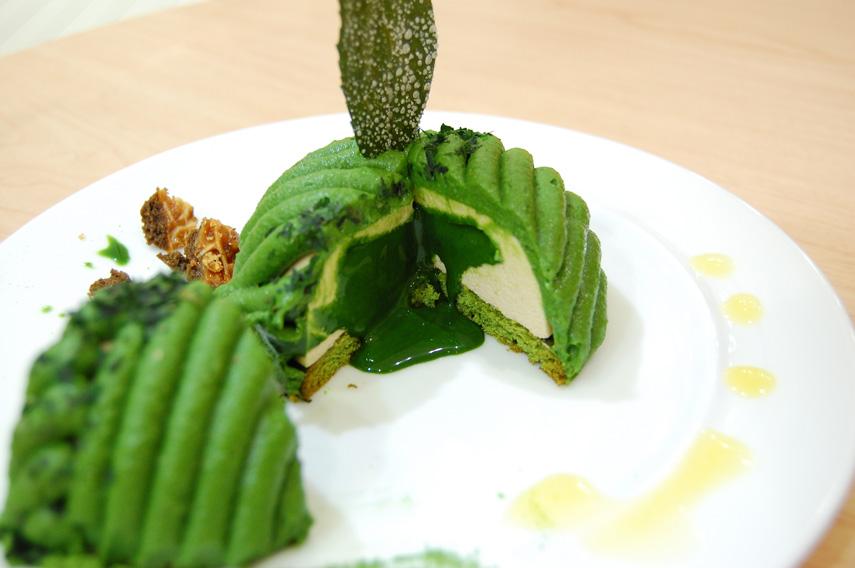抹茶の茶畑モンブラン 濃茶ソース