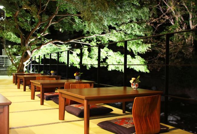箱根唯一の川床