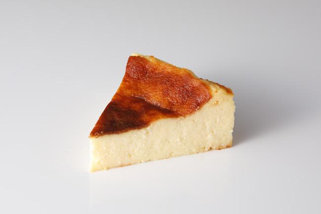 濃厚なWチーズ×とろ~り食感!『バスクチーズケーキ』