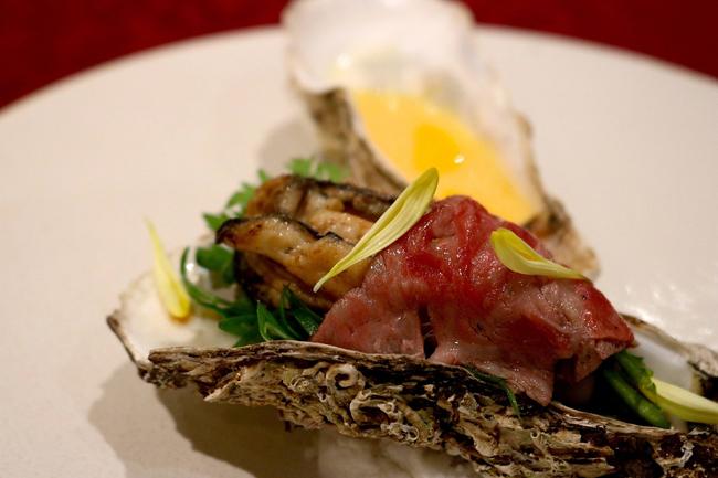 愛媛県産御荘牡蠣と和牛サーロイン 高知県産柚子卵