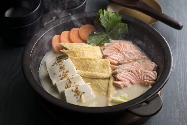 サーモンロースト 胡麻豆乳カルボナーラ