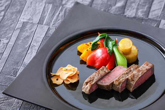 北海道しほろ若牛リブロースステーキ100g 季節の焼き野菜6種を添えて