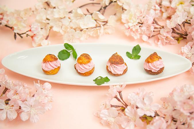 チーズのシュークリーム 桜仕立て