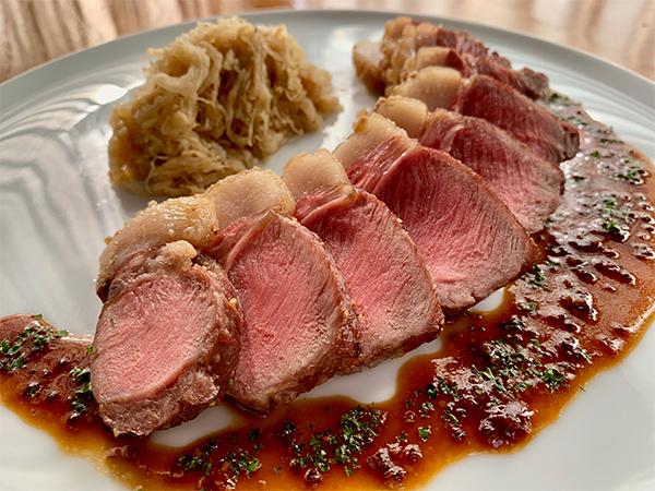 猪肉のポワレ 白菜のシュークルート