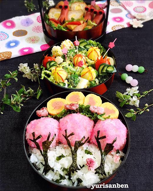 桜でんぶの桜海苔アート弁当